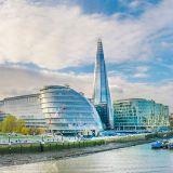 Foto de Hollyton - London Estate Agents
